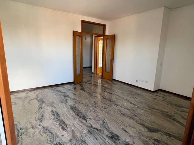 camera matrimoniale appartamento Mestre euro 650