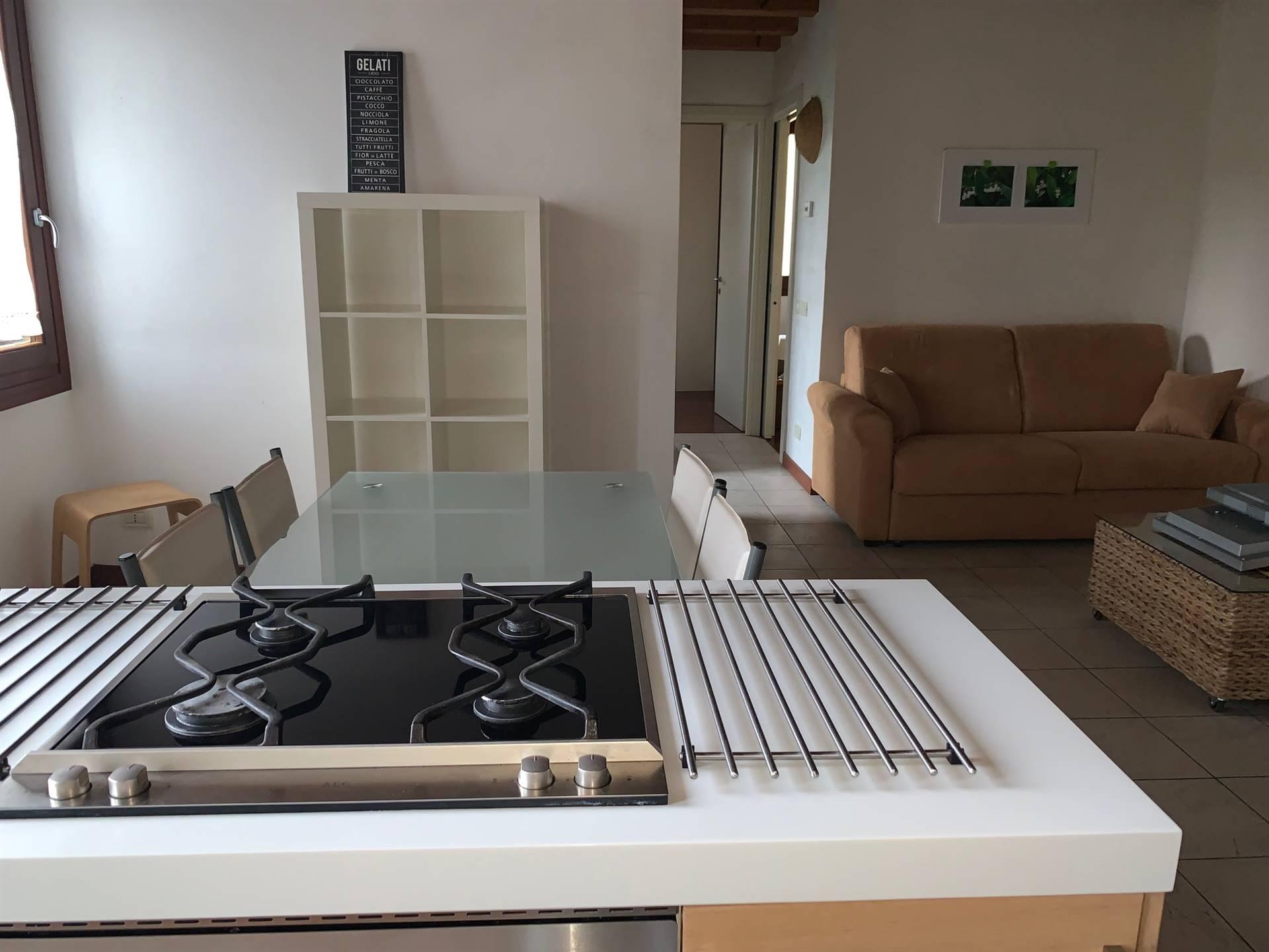 cucina con angolo cottura appartamento Mestre