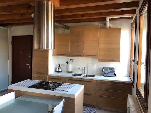 cucina appartamento edificio storico Mestre