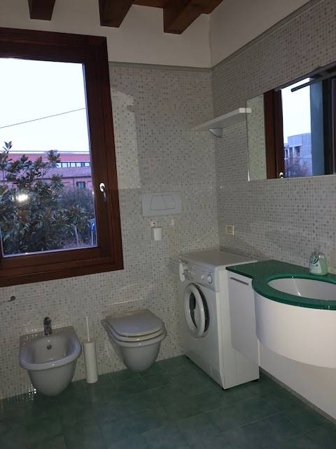 bagno  finestrato appartamento Mestre centro