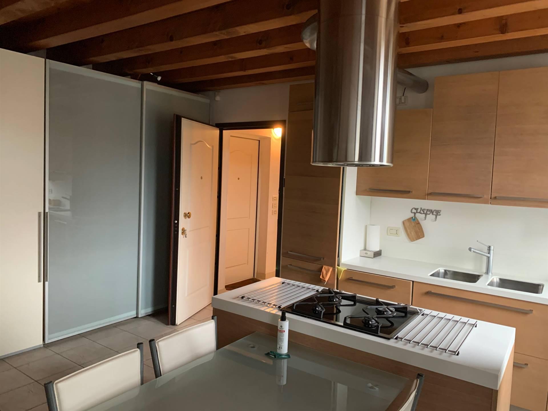 cucina su appartamento d'epoca a Mestre