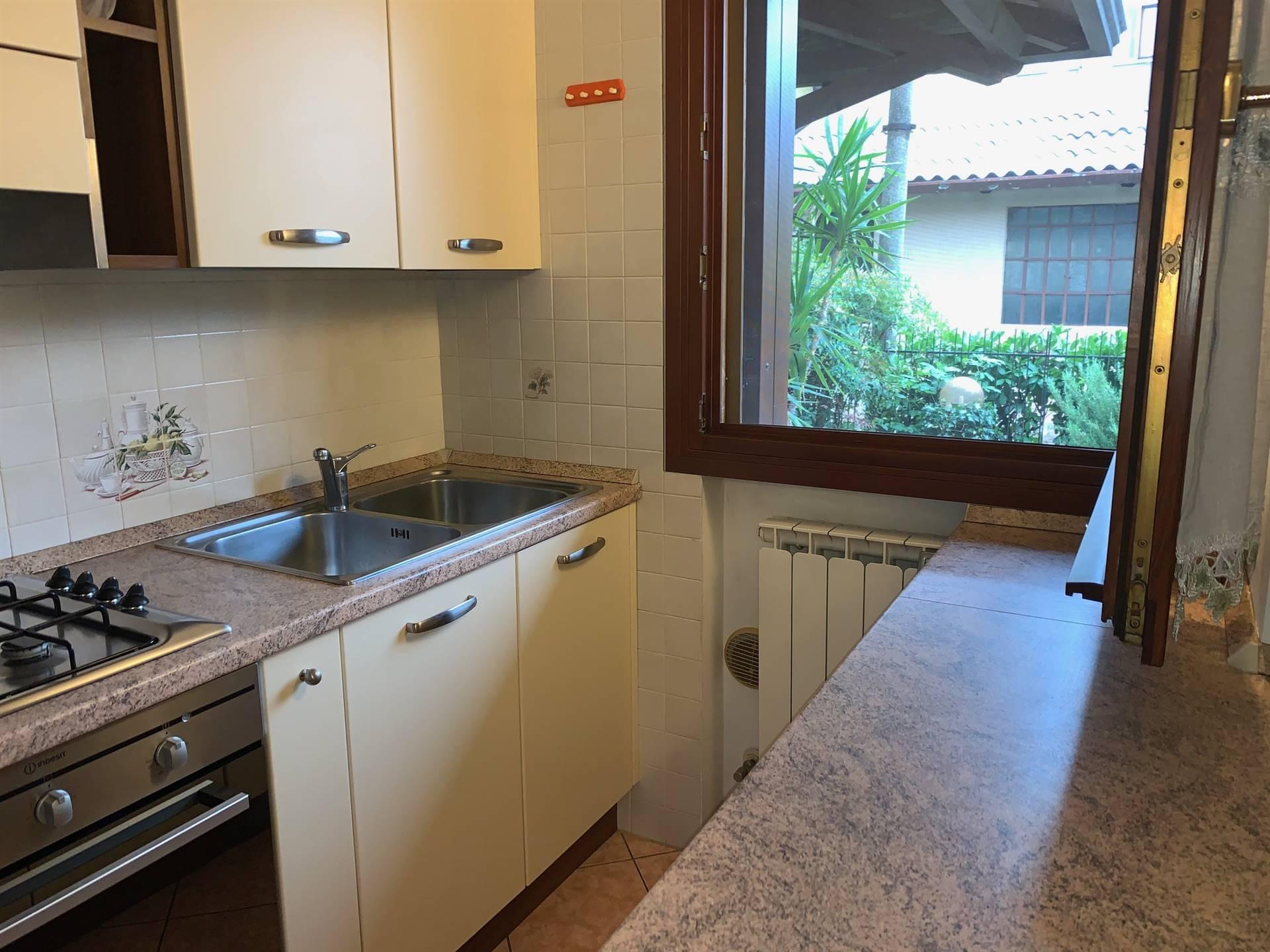 cucina affitto porzione di villa  giardino Mestre