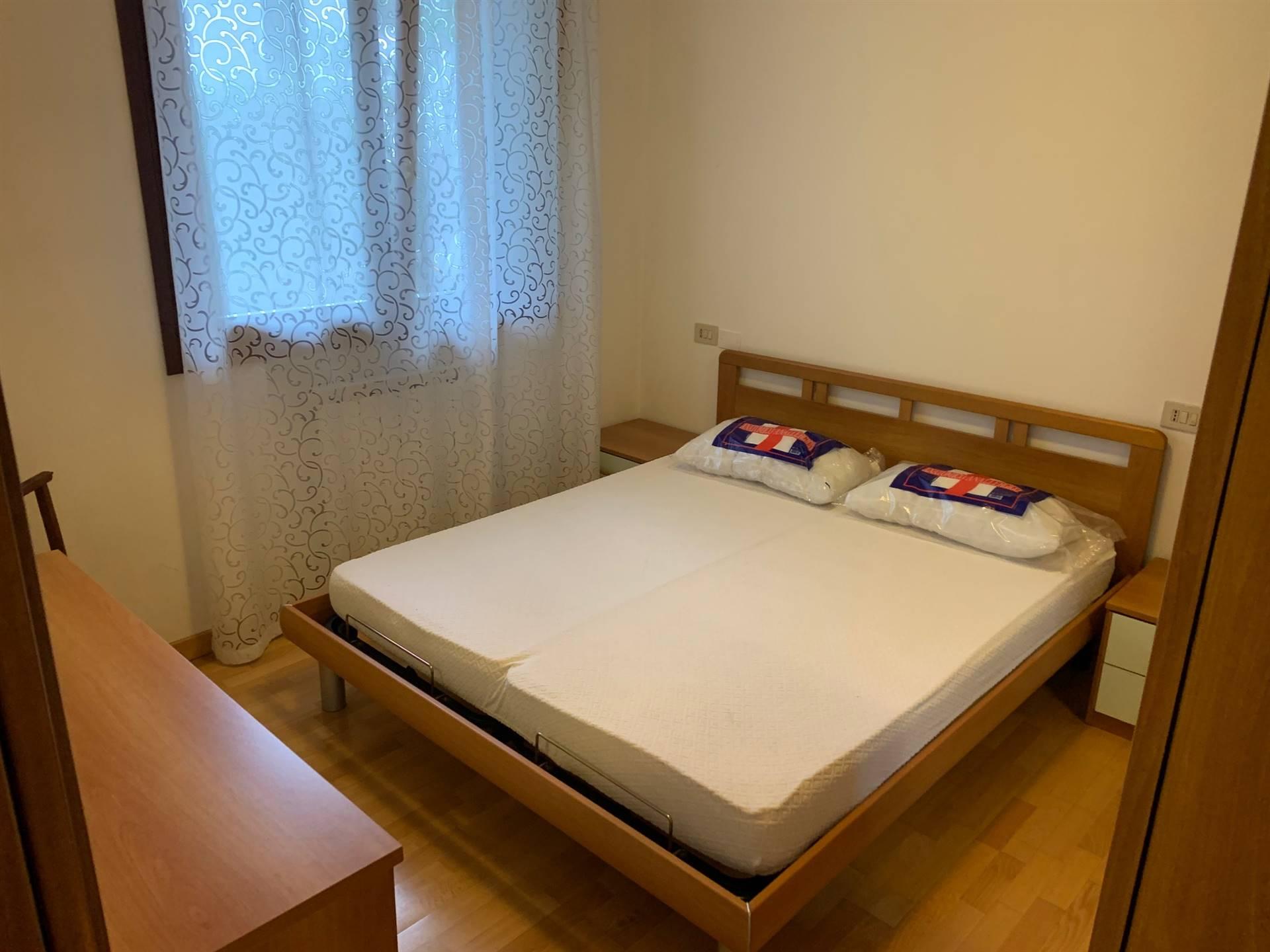 camera matrimoniale appartamento affitto Gazzera