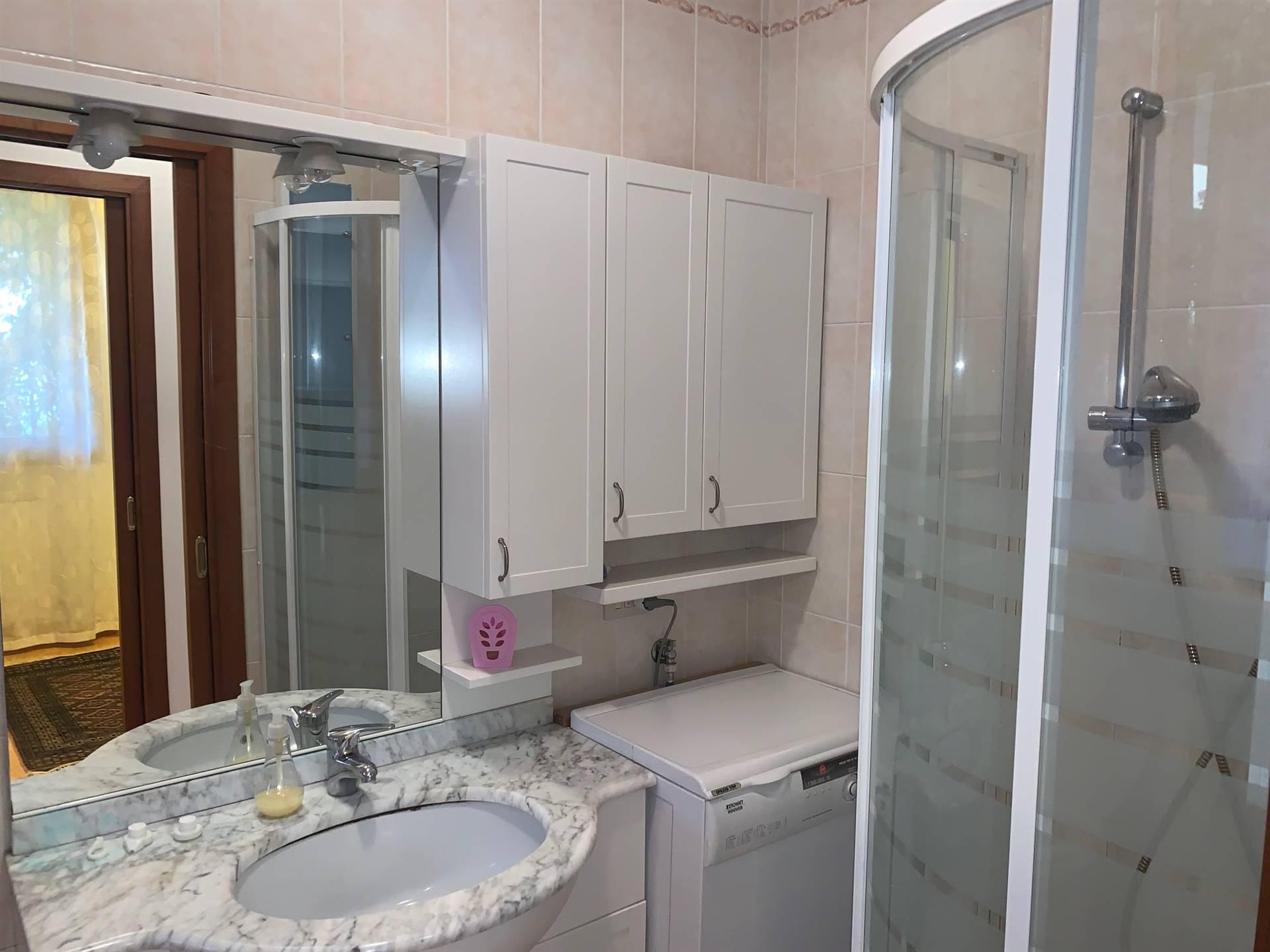 bagno con doccia porzione affitto Mestre
