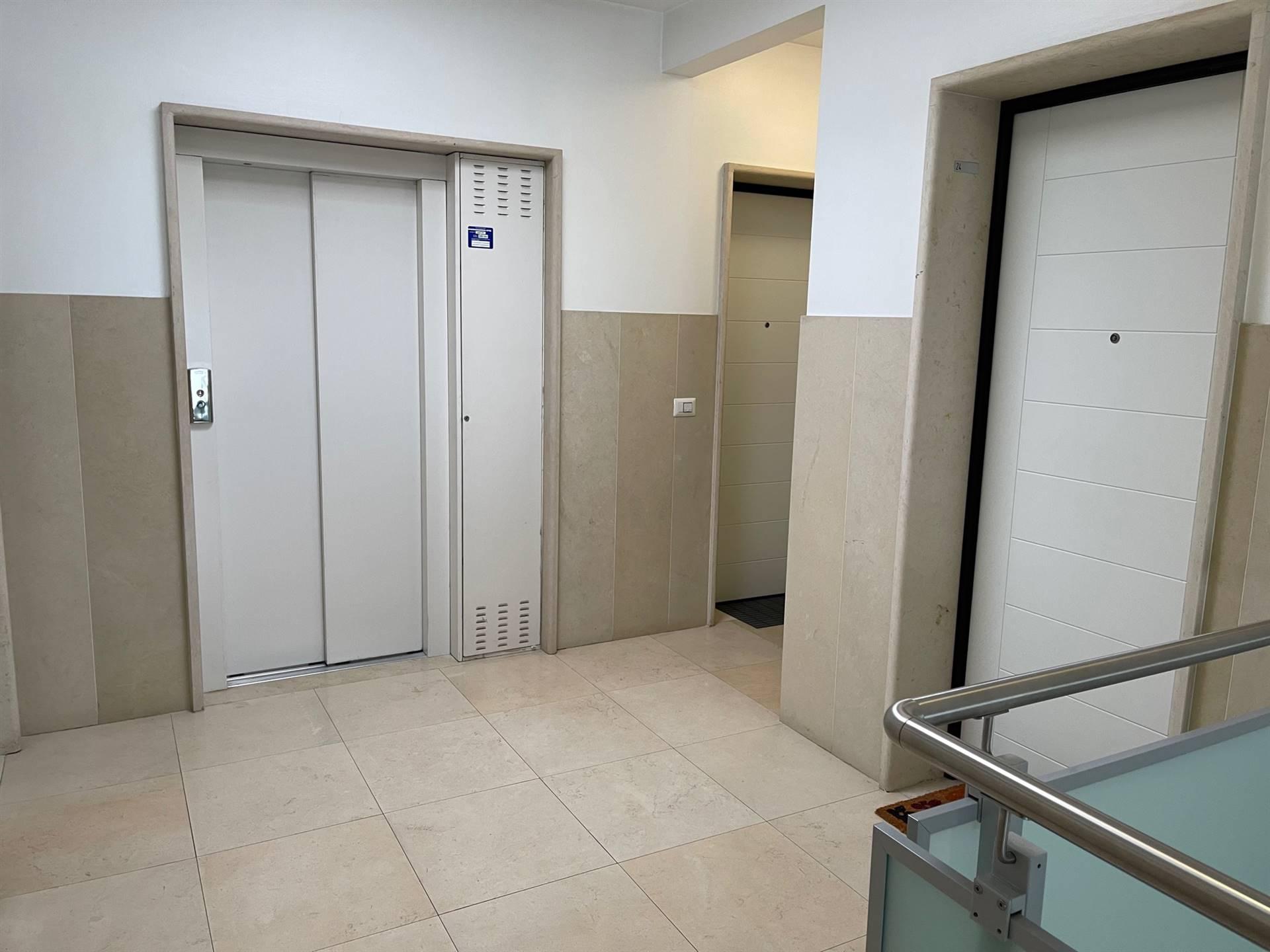 ascensore appartamento Mestre euro 160000