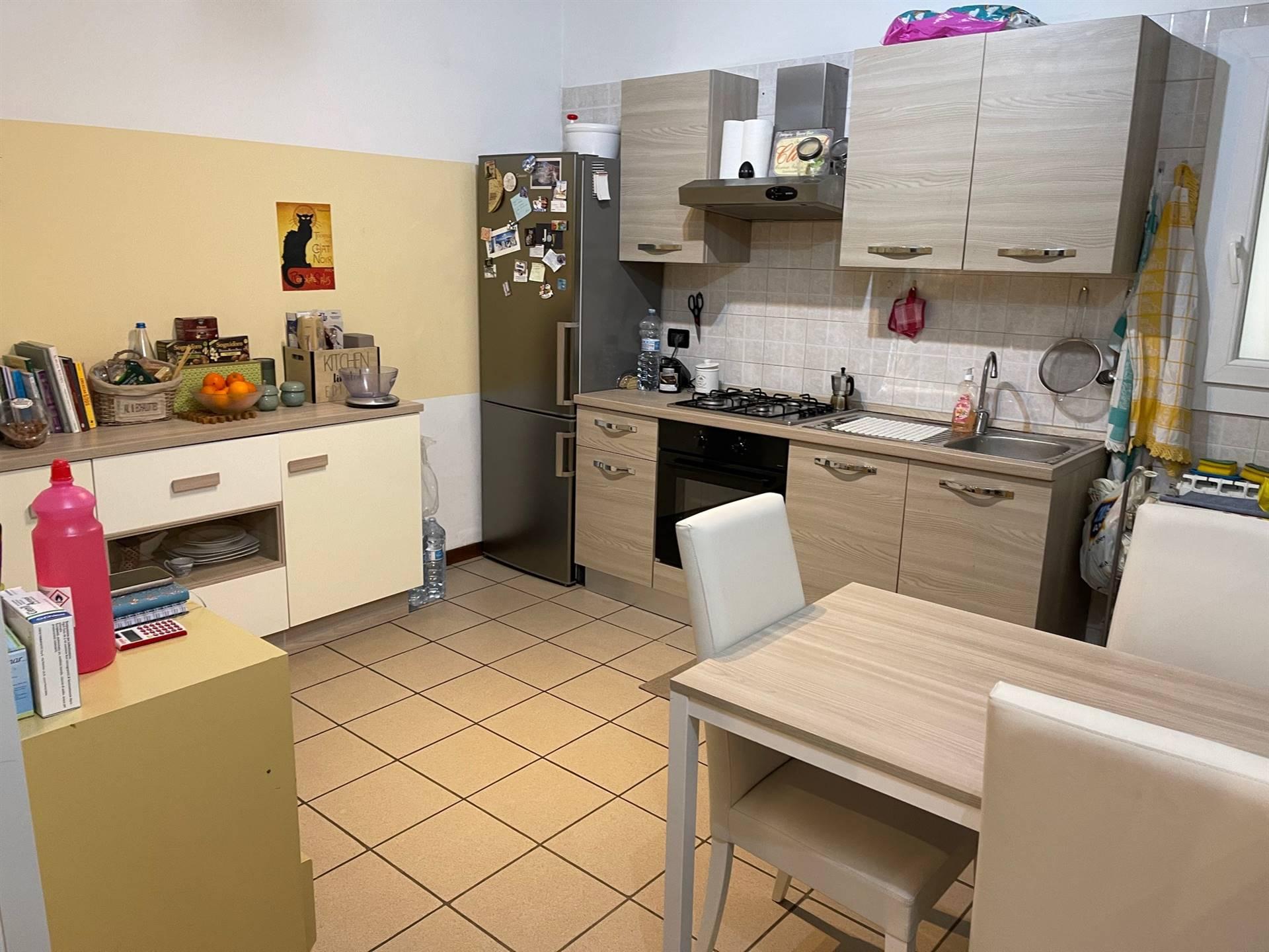 cucina affittasi appartamento Mestre con posto aut
