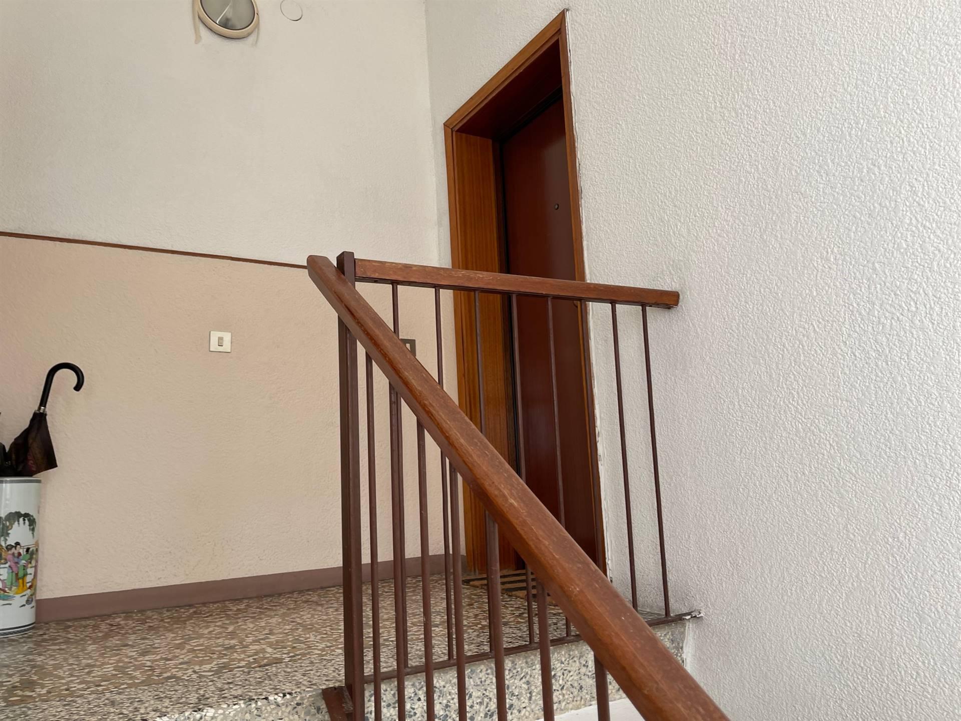 vano scale appartamento vendita Mestre euro 115000