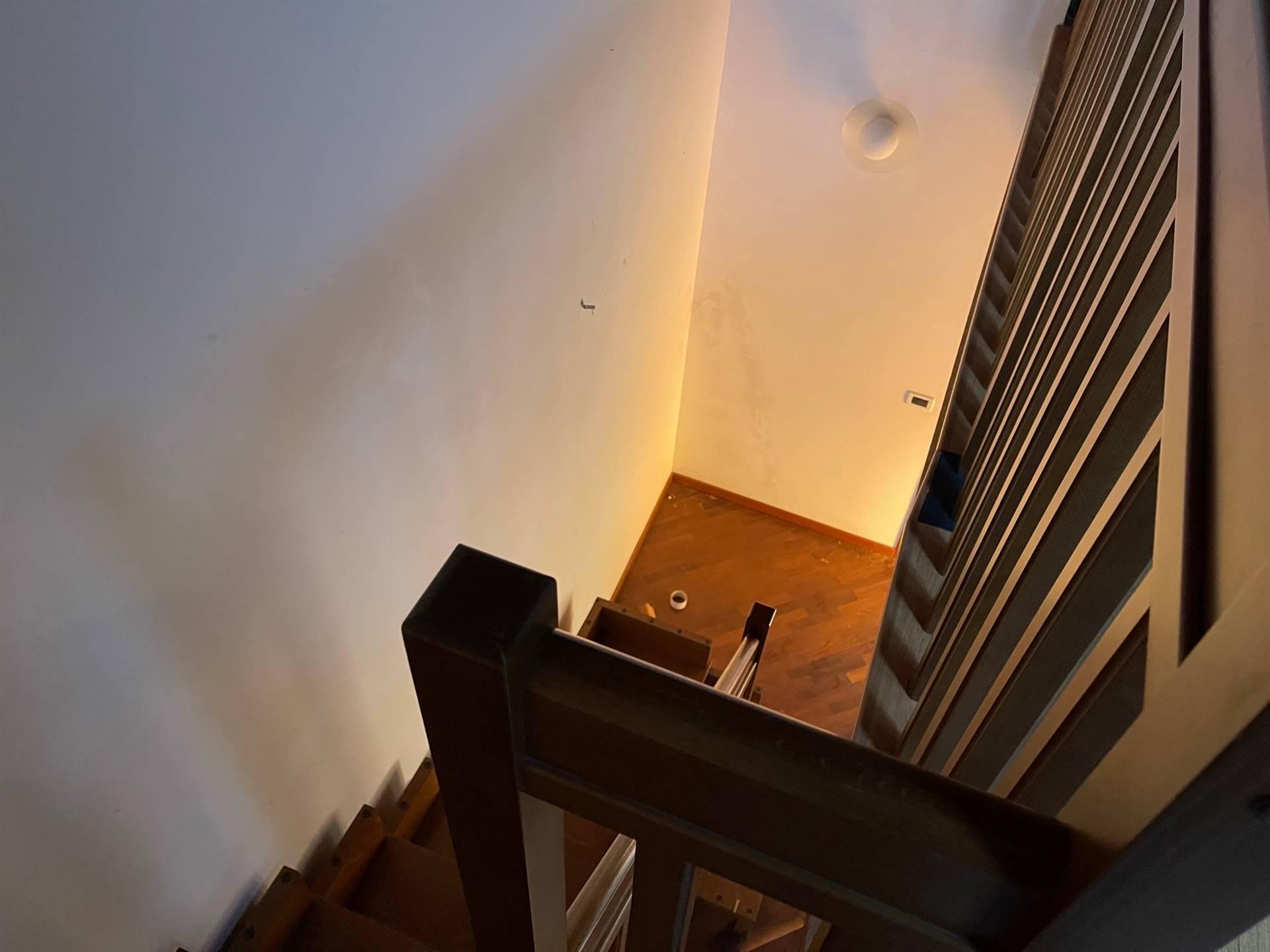scala interna appartamento affitto Mestre