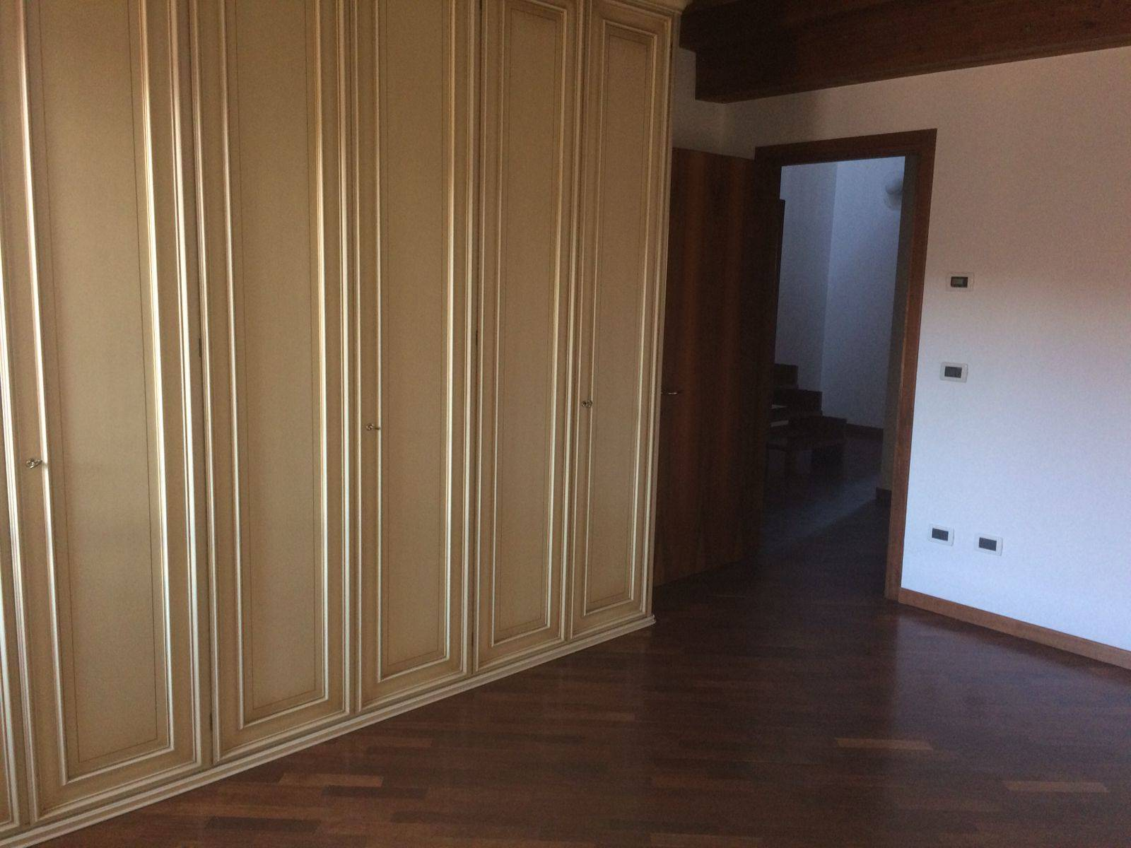 camera luminosa affittasi Mestre appartamento