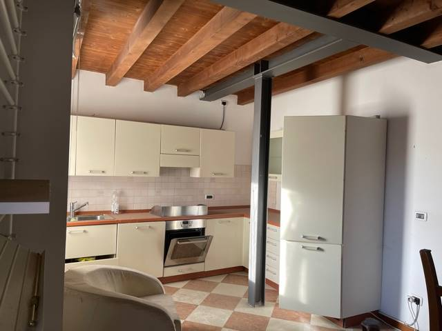 cucina arredata appartamento terra cielo Mestre