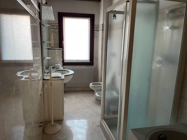 bagno con vasca doccia affittasi Mestre v. Palazzo