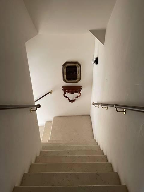 vano scale ingresso appartamento Mestre euro 1500