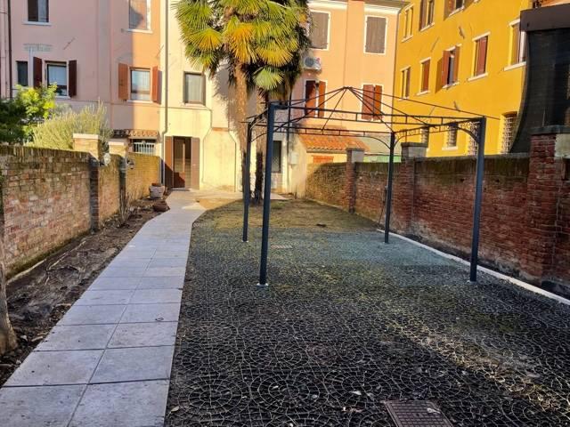 giardino privato appartamento in affitto Mestre