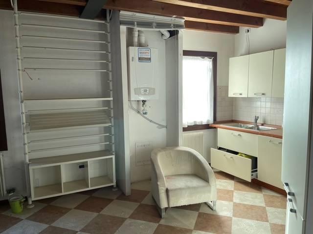 cucina arredata affittasi Mestre centro Studio C