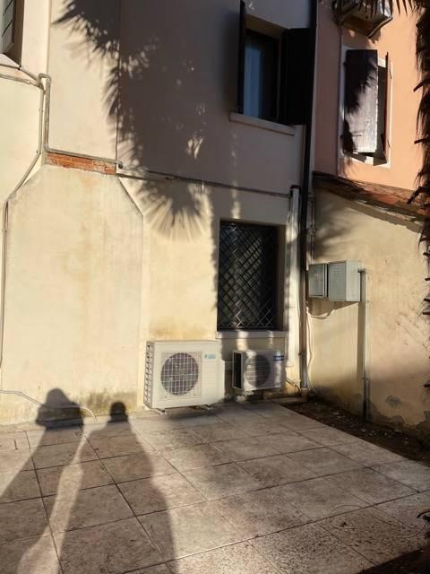 giardino privato appartamento indipendente Mestre