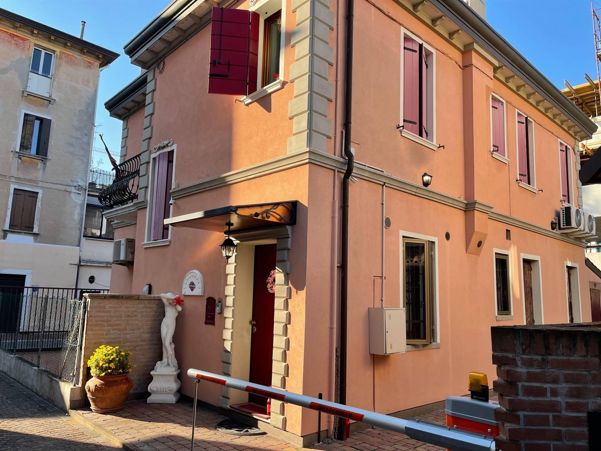 Mestre appartamento su bifamiliare euro 208.000