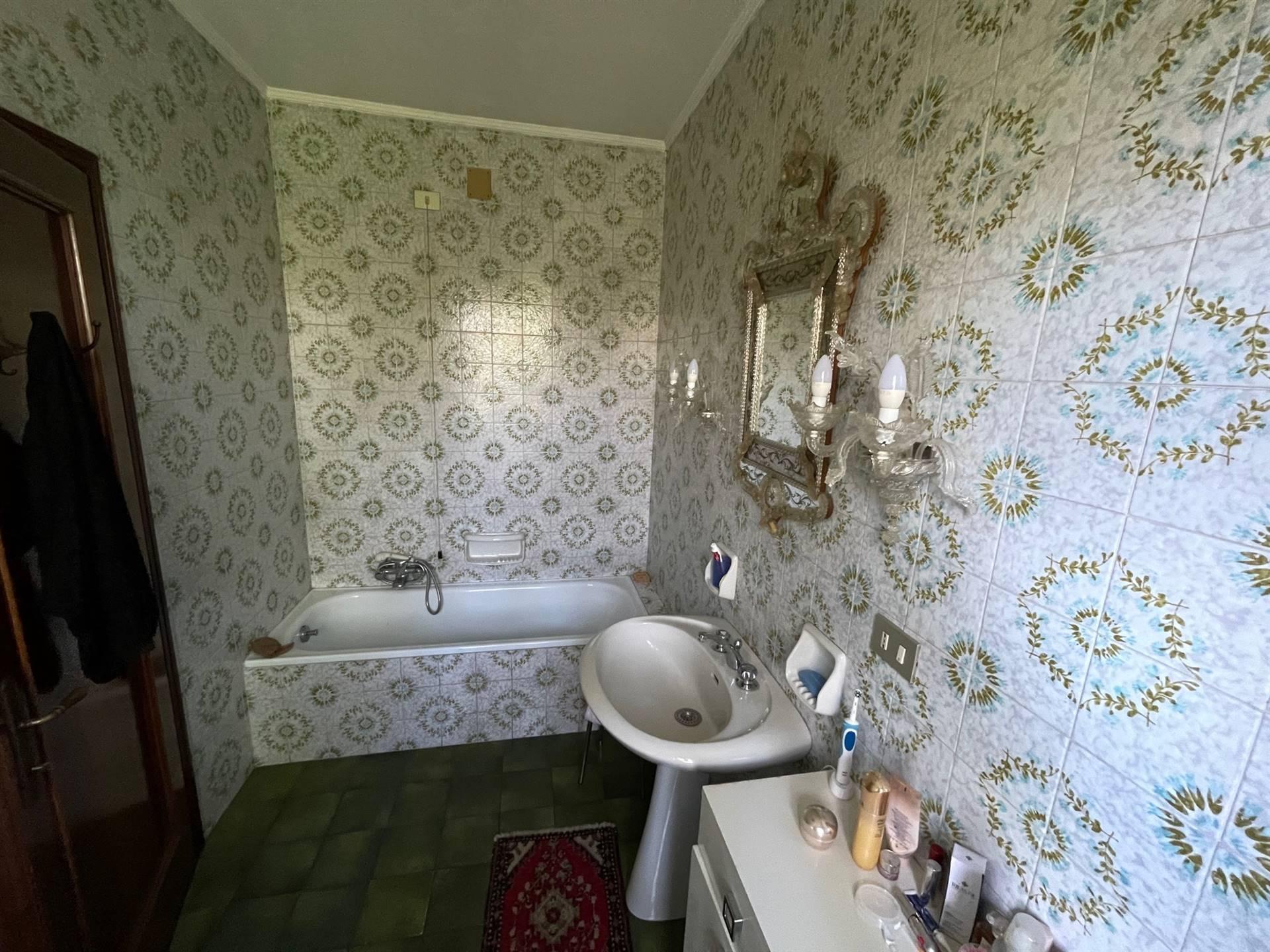 bagno con vasca casa indipendente Zelarino
