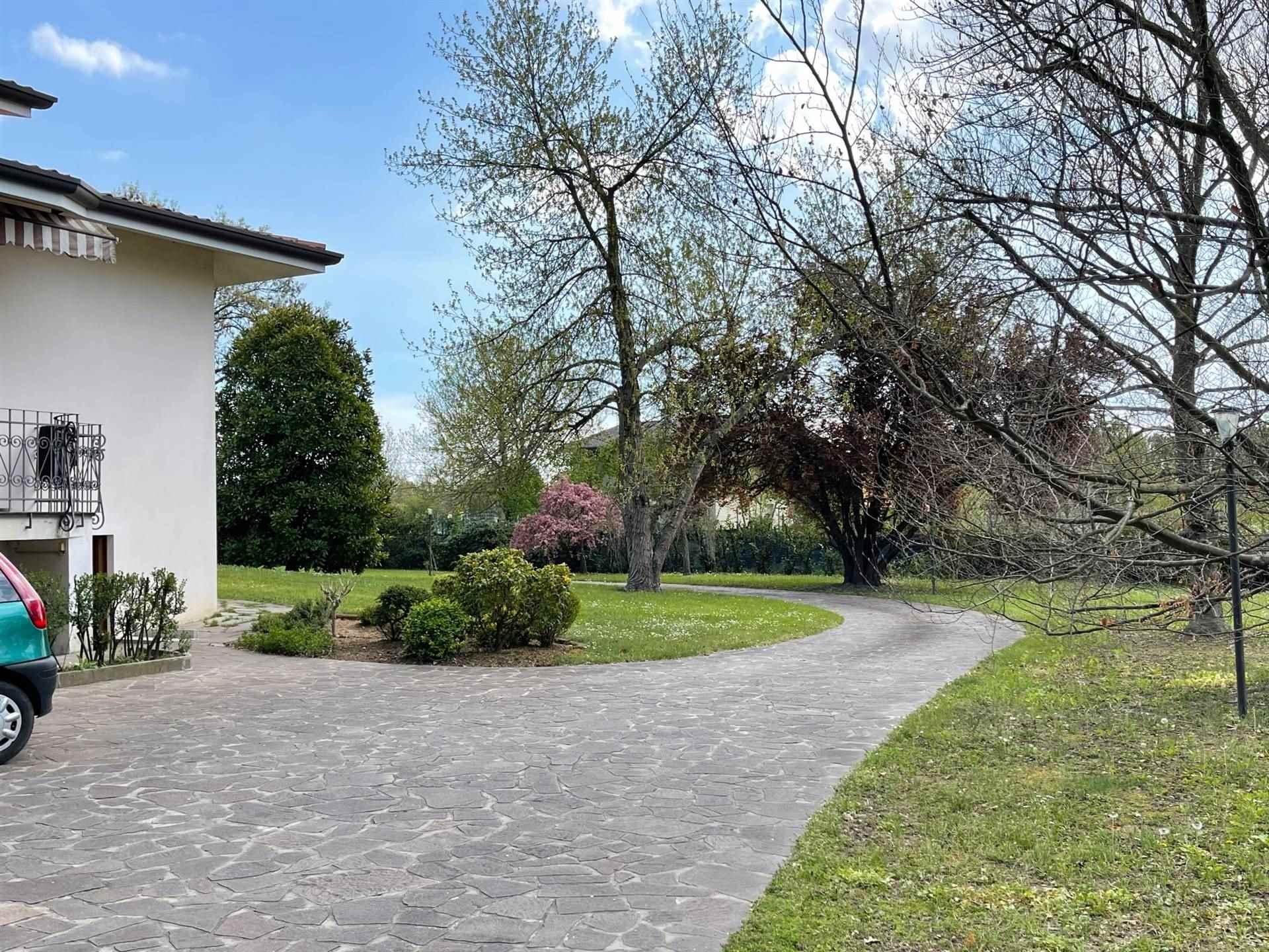 posti auto giardino privato vendita Zelarino