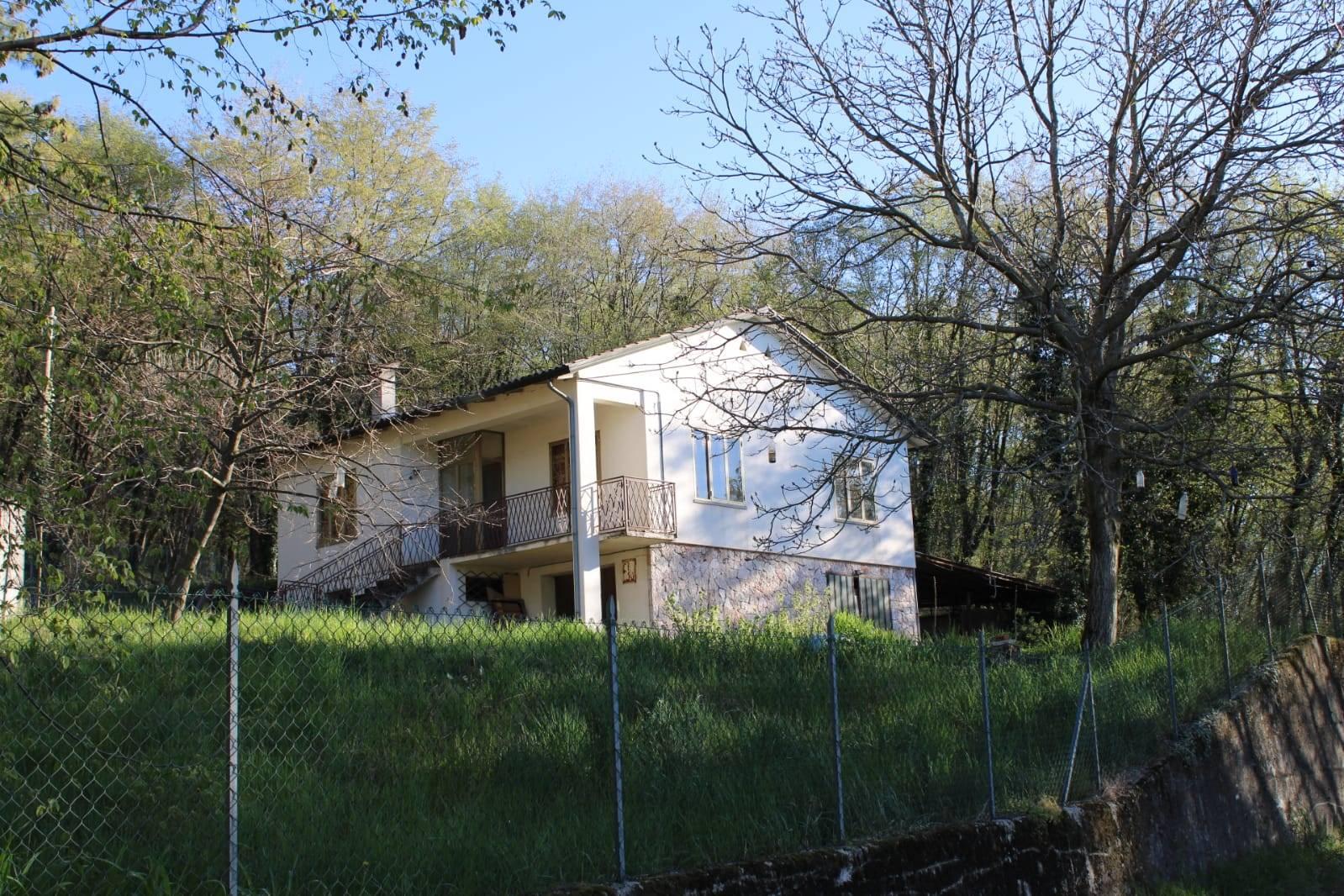casa singola con giardino Crespano del Grappa