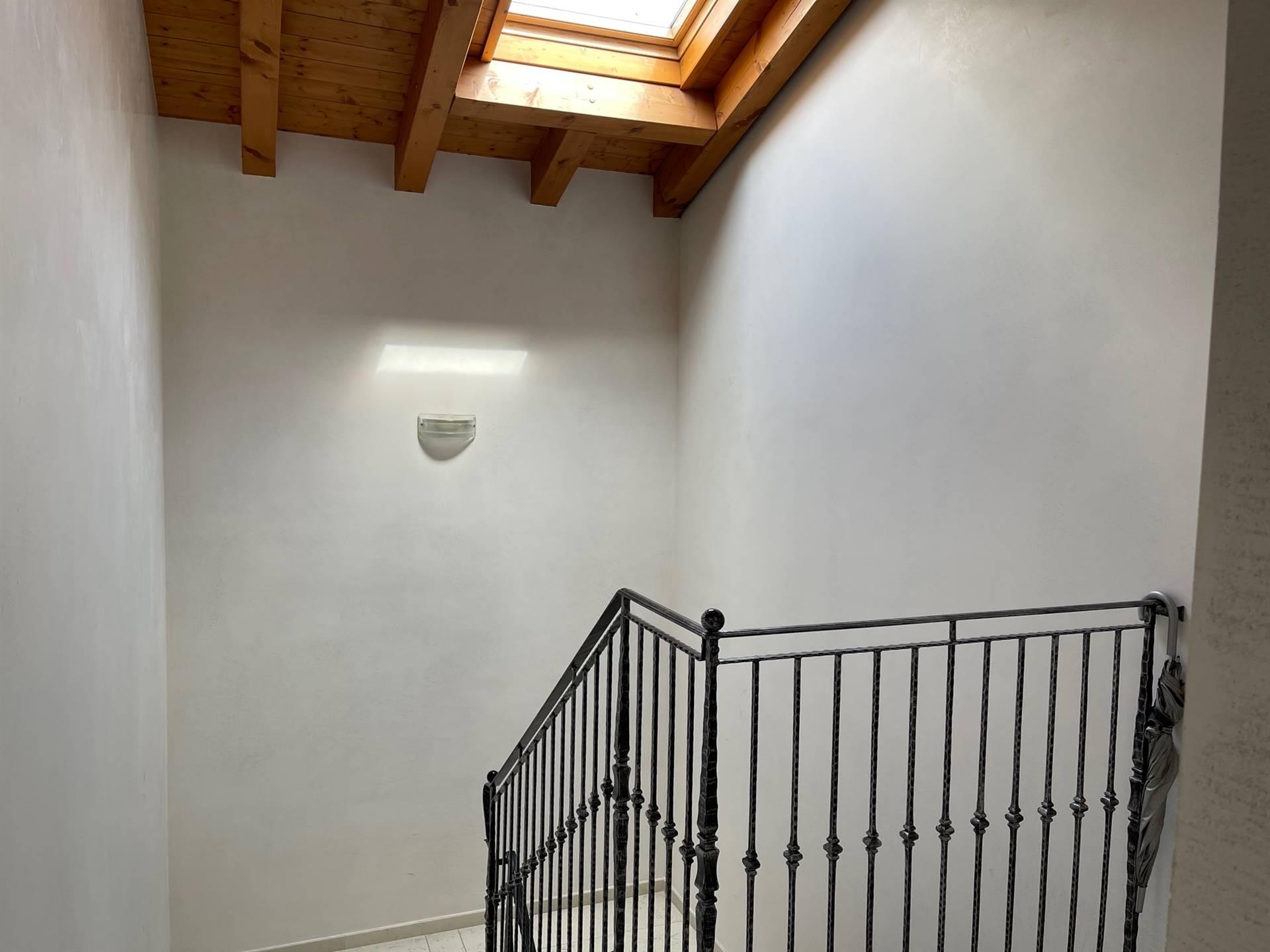 vano scale appartamento in affitto Zelarino