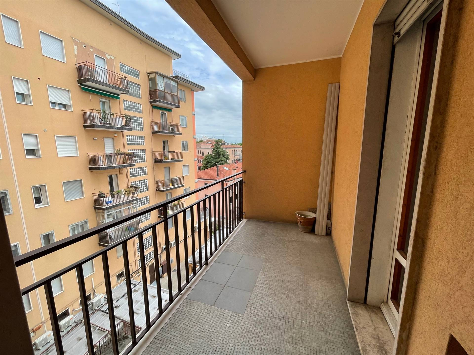terrazzino appartamento  vendita Mestre via Pio X