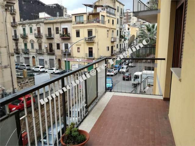 Quadrilocale, Zisa, Palermo, da ristrutturare