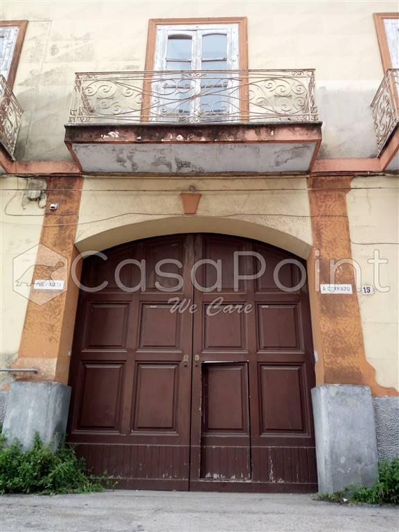 Palazzo in Corso De Nicola, Afragola