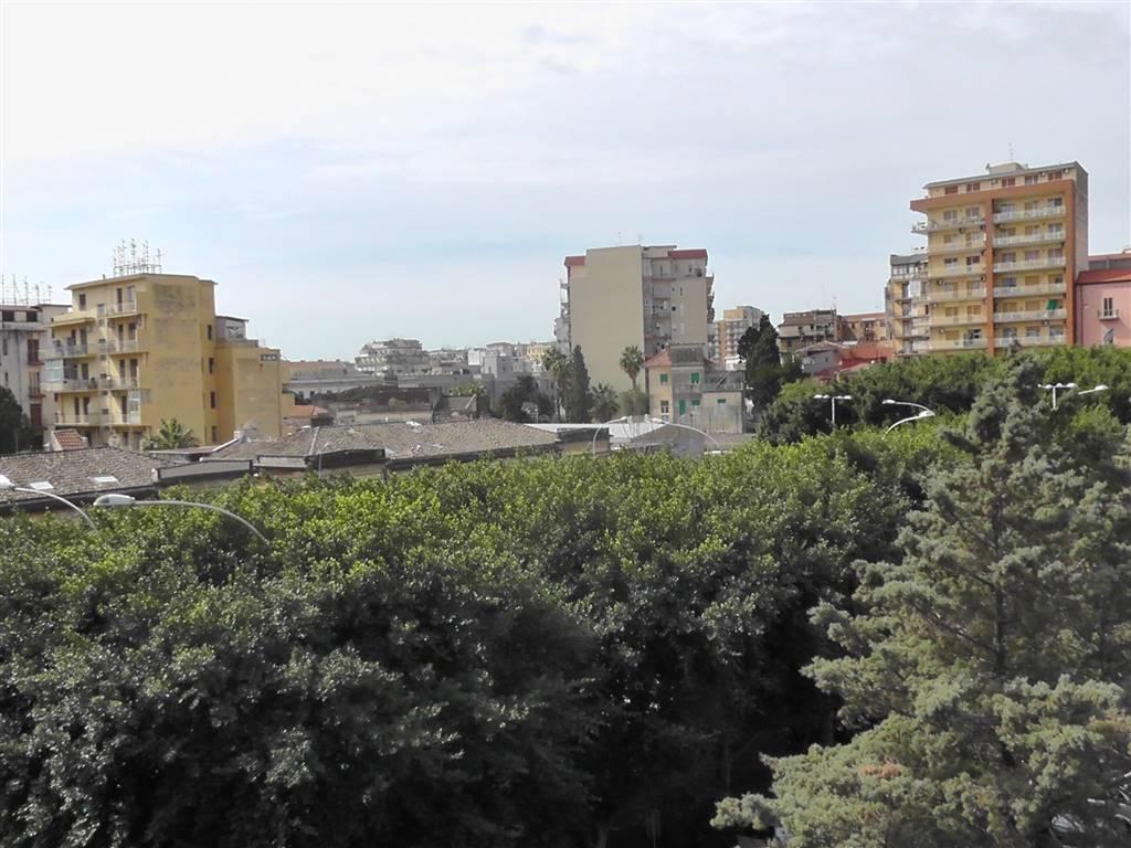 Appartamento in Piazza Lanza 14, Catania