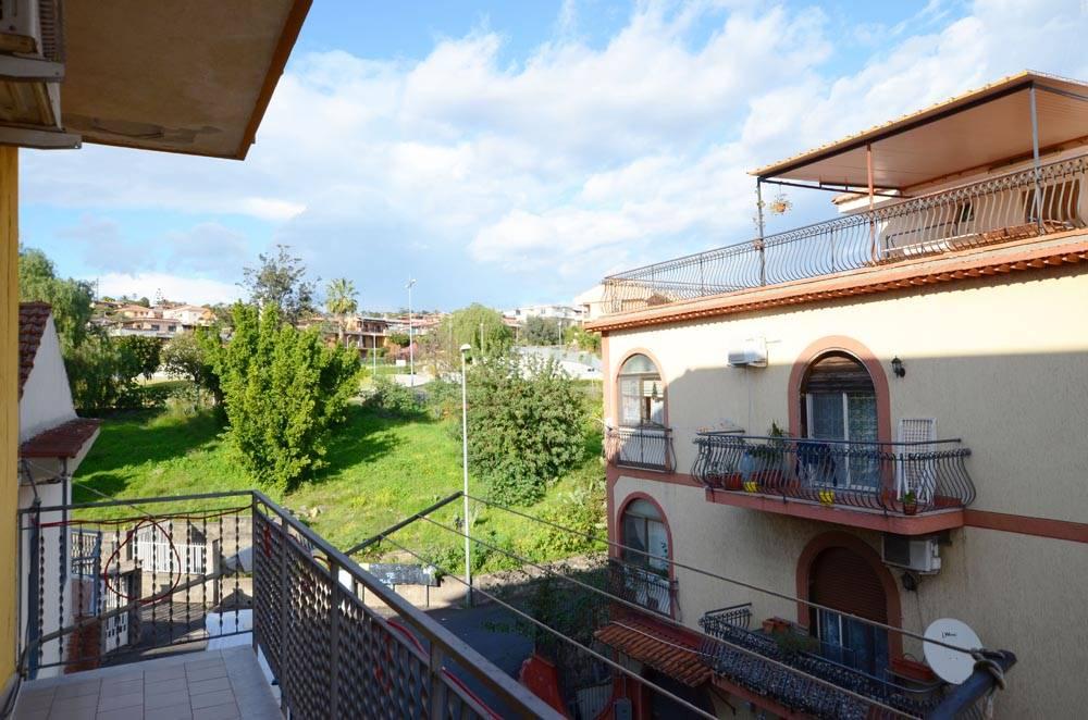 Appartamento in vendita a Aci Castello, 3 locali, zona Zona: Cannizzaro, prezzo € 100.000   CambioCasa.it