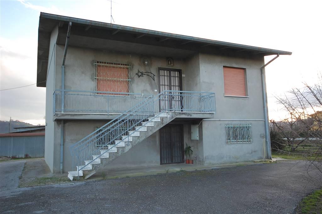 Soluzione Indipendente in vendita a Longiano, 9 locali, prezzo € 250.000   CambioCasa.it