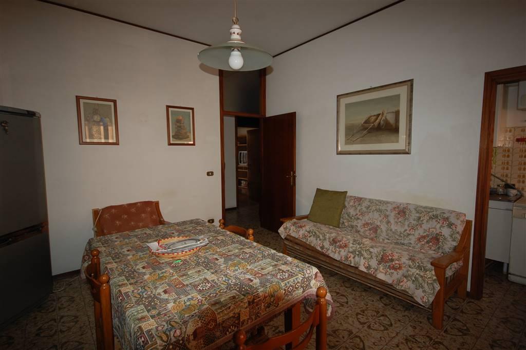 Appartamento in vendita a San Mauro Pascoli, 5 locali, prezzo € 128.000 | CambioCasa.it