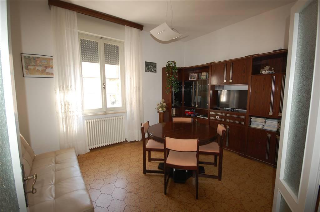 Appartamento in vendita a San Mauro Pascoli, 8 locali, prezzo € 130.000 | CambioCasa.it