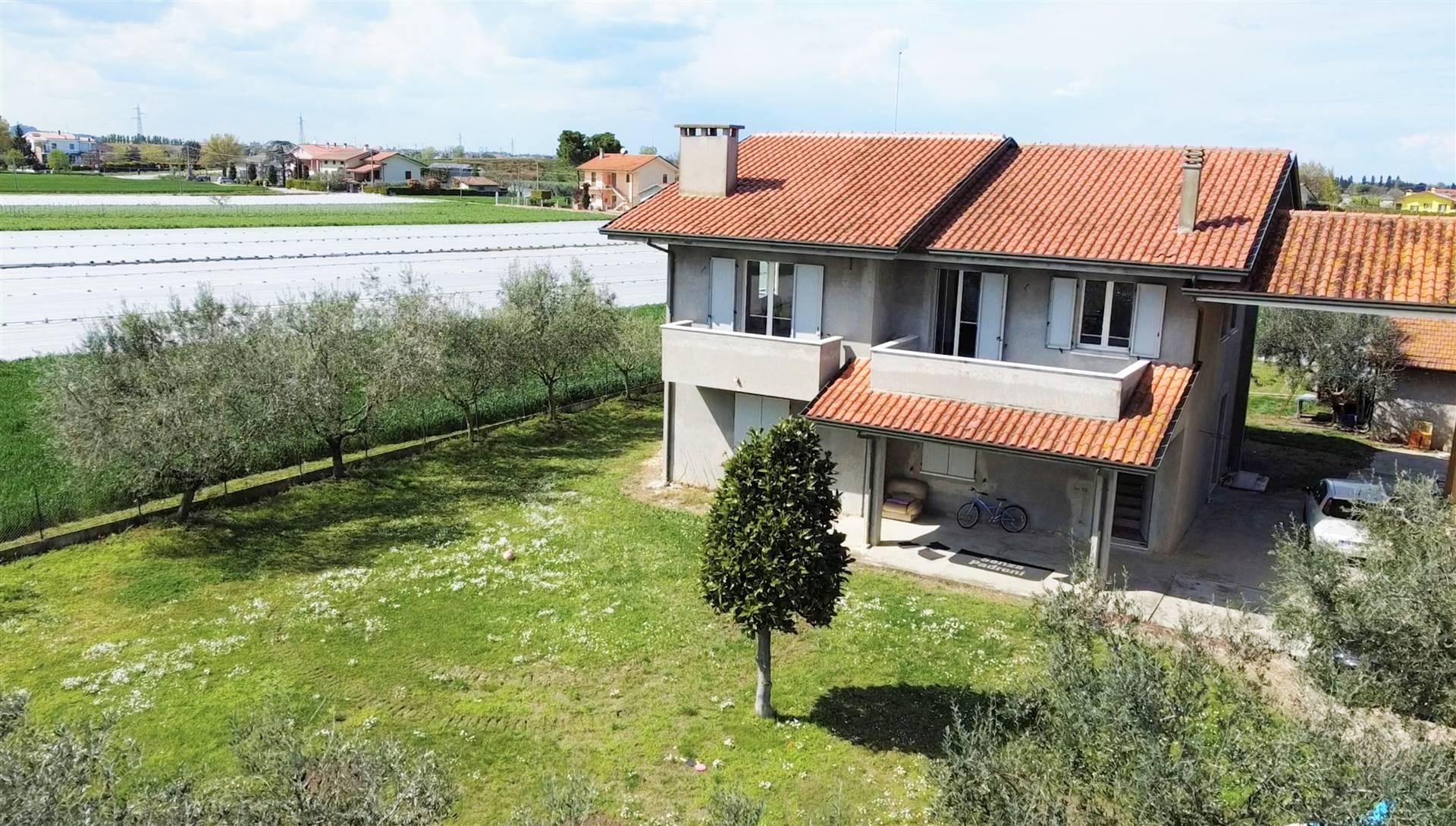 Soluzione Indipendente in vendita a Gatteo, 5 locali, prezzo € 365.000 | CambioCasa.it