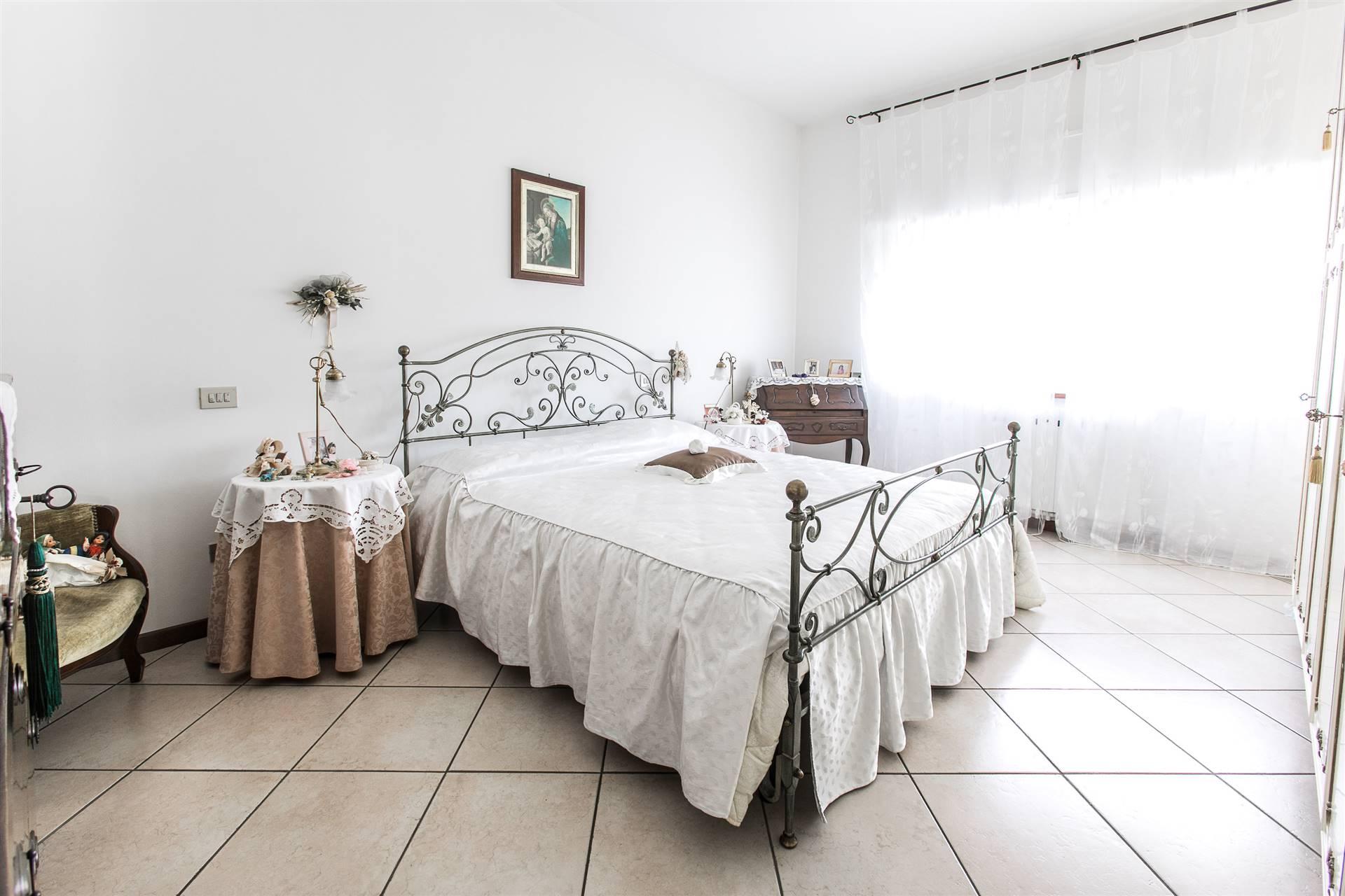 Villa In Vendita A Villafranca Di Verona Zona Dossobuono Verona Rif Dosso 499