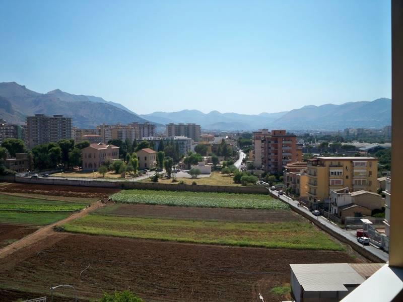 Trilocale in Via O.s 5, Palermo