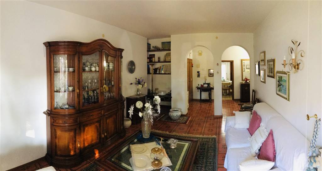 GORARELLA, GROSSETO, Apartment for rent of 126 Sq. mt., Habitable, Heating Individual heating system, Energetic class: G, Epi: 146,39 kwh/m2 year,
