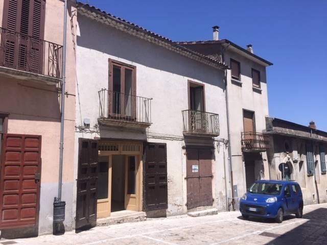 Soluzione Semindipendente in vendita a Montefusco, 4 locali, prezzo € 27.000 | CambioCasa.it