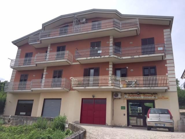 Negozio / Locale in vendita a Pratola Serra, 1 locali, zona Zona: San Michele, prezzo € 20.000 | CambioCasa.it