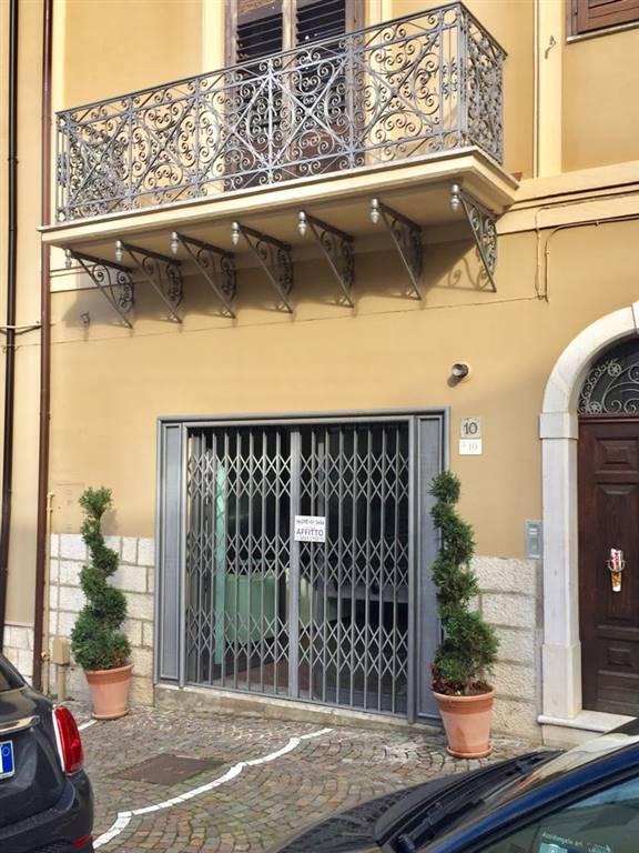 Negozio / Locale in affitto a Pratola Serra, 1 locali, zona Zona: Pratola, prezzo € 480 | CambioCasa.it