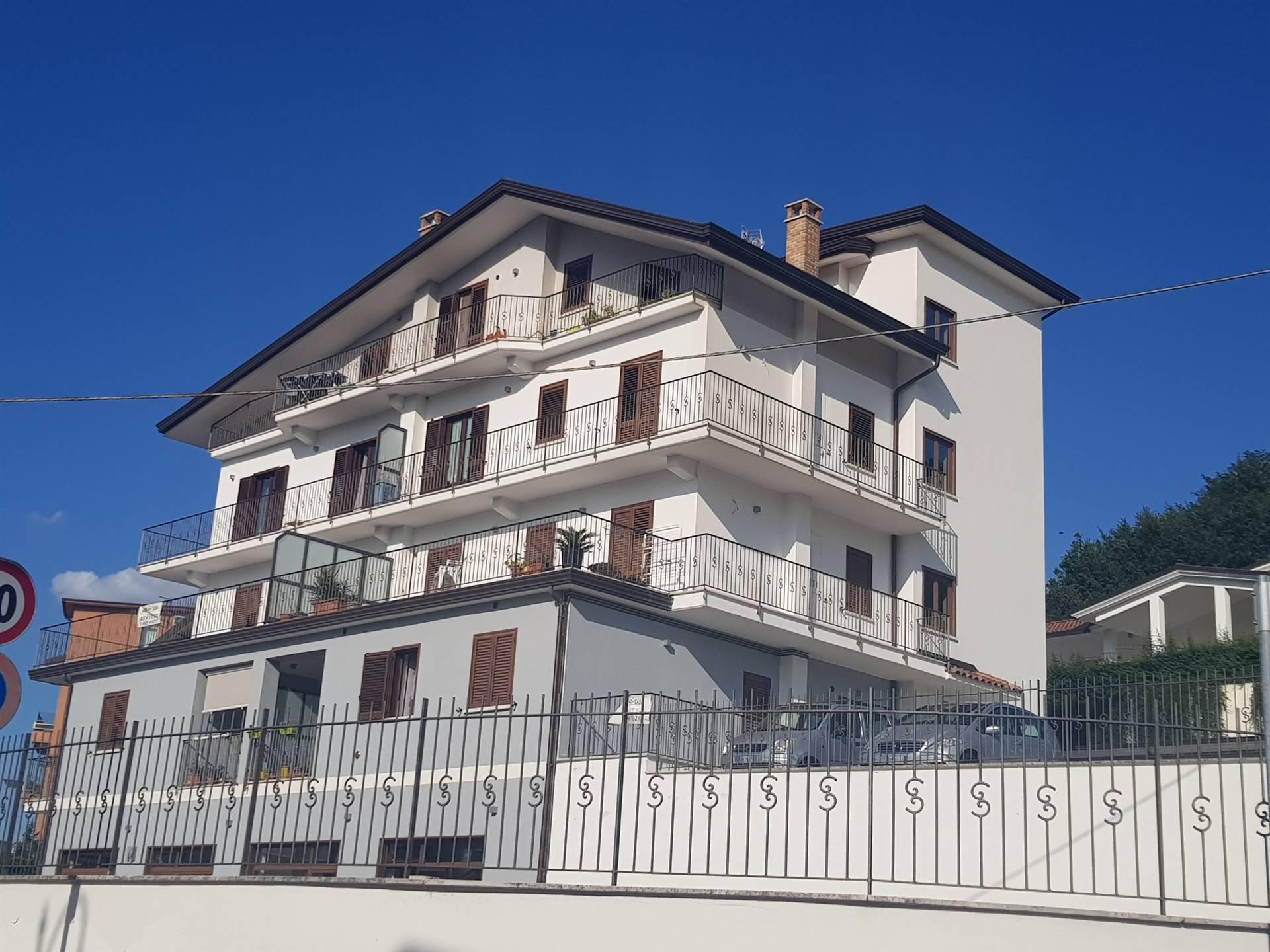 Appartamento in affitto a Pratola Serra, 3 locali, zona Zona: Pratola, prezzo € 350 | CambioCasa.it