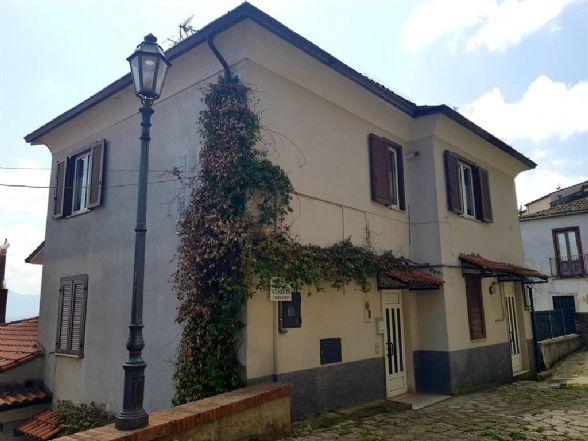 Appartamento in vendita a Montefusco, 3 locali, prezzo € 33.000 | CambioCasa.it
