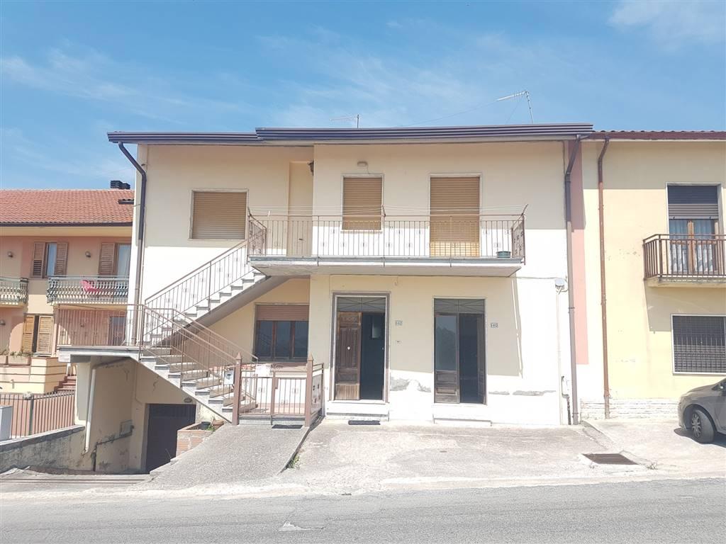 Appartamento in vendita a Montefusco, 5 locali, zona Zona: Serra, prezzo € 38.000 | CambioCasa.it