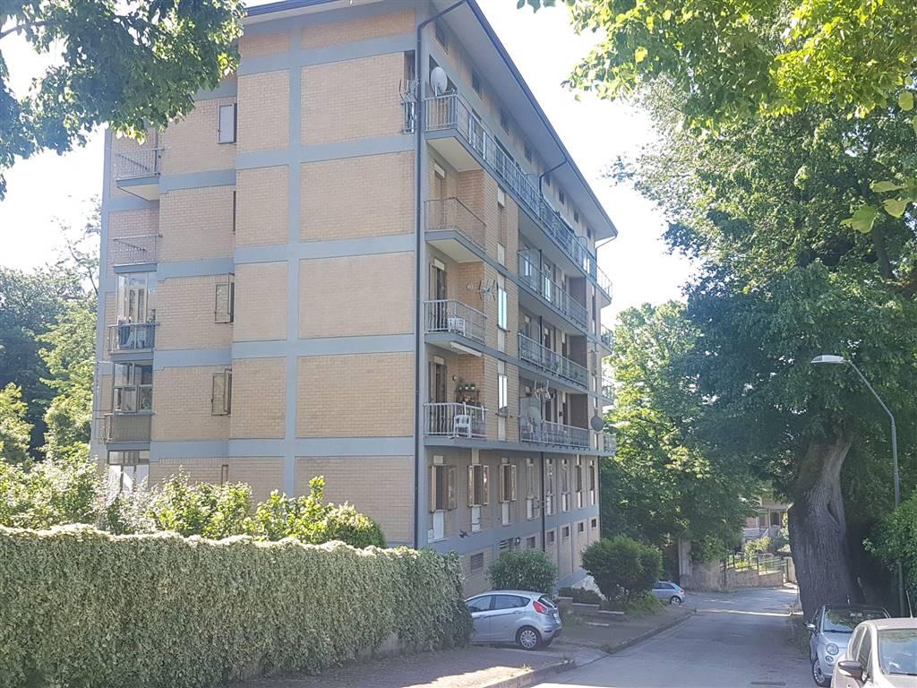 Appartamento in affitto a Avellino, 4 locali, zona Zona: Semicentro, prezzo € 550 | CambioCasa.it