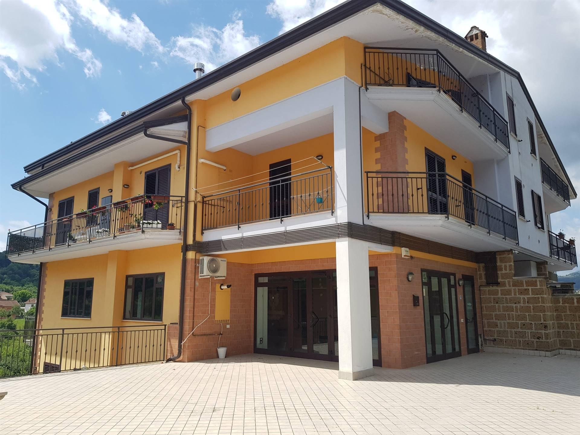Negozio / Locale in affitto a Prata di Principato Ultra, 2 locali, zona Zona: Tavernanova, prezzo € 1.300 | CambioCasa.it