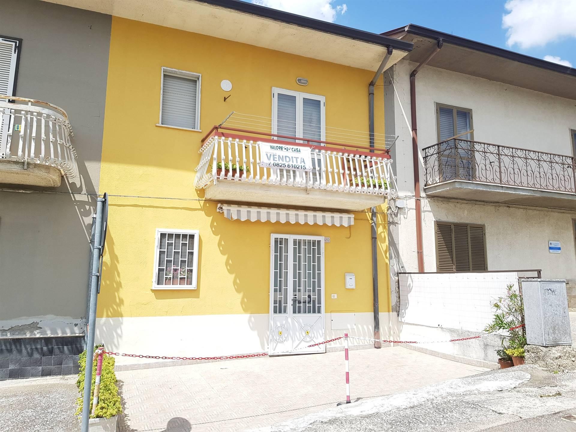 Appartamento in vendita a Montefusco, 3 locali, zona Zona: Serra, prezzo € 39.000 | CambioCasa.it