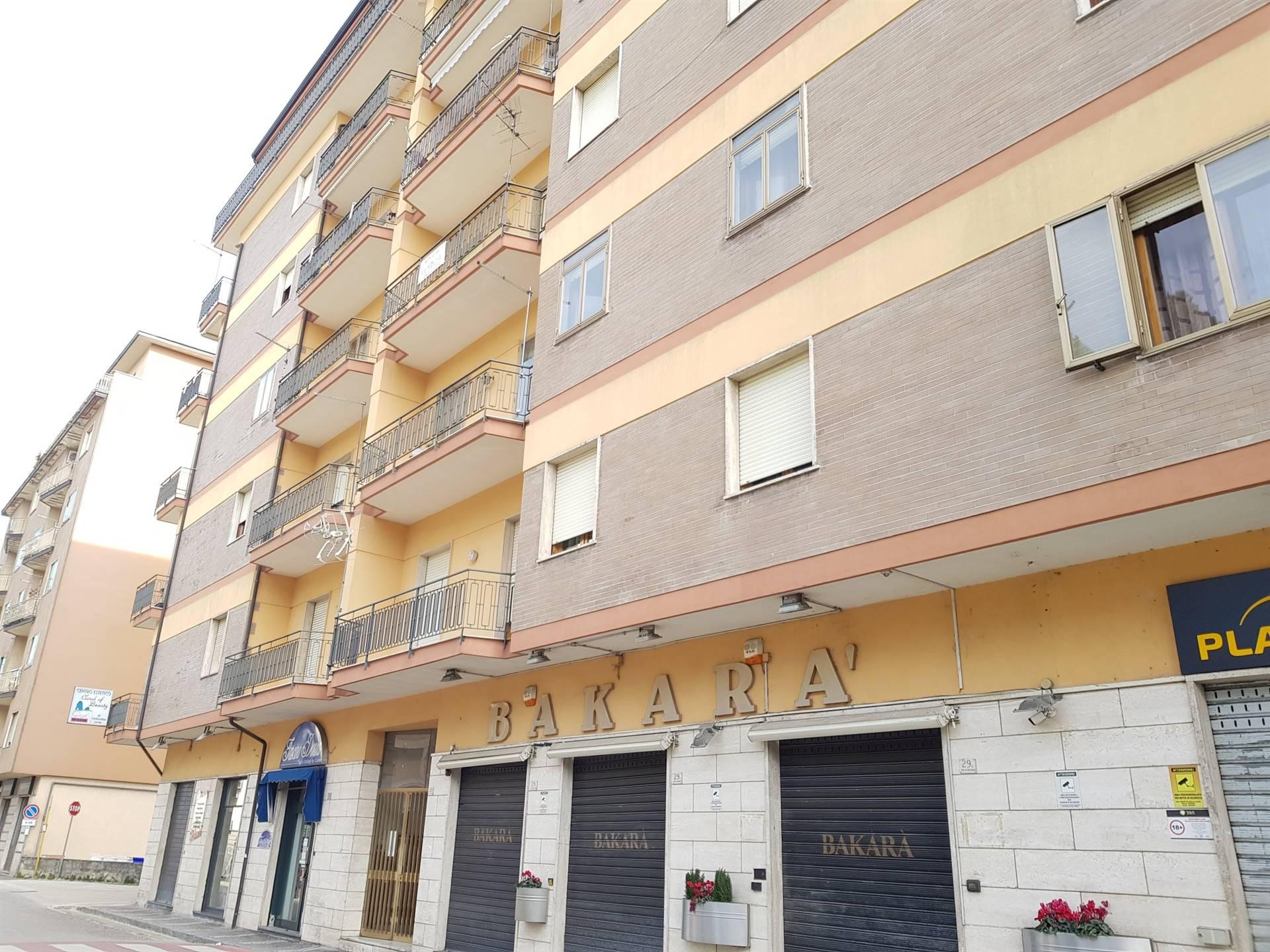 Appartamento in vendita a Atripalda, 5 locali, prezzo € 150.000 | CambioCasa.it