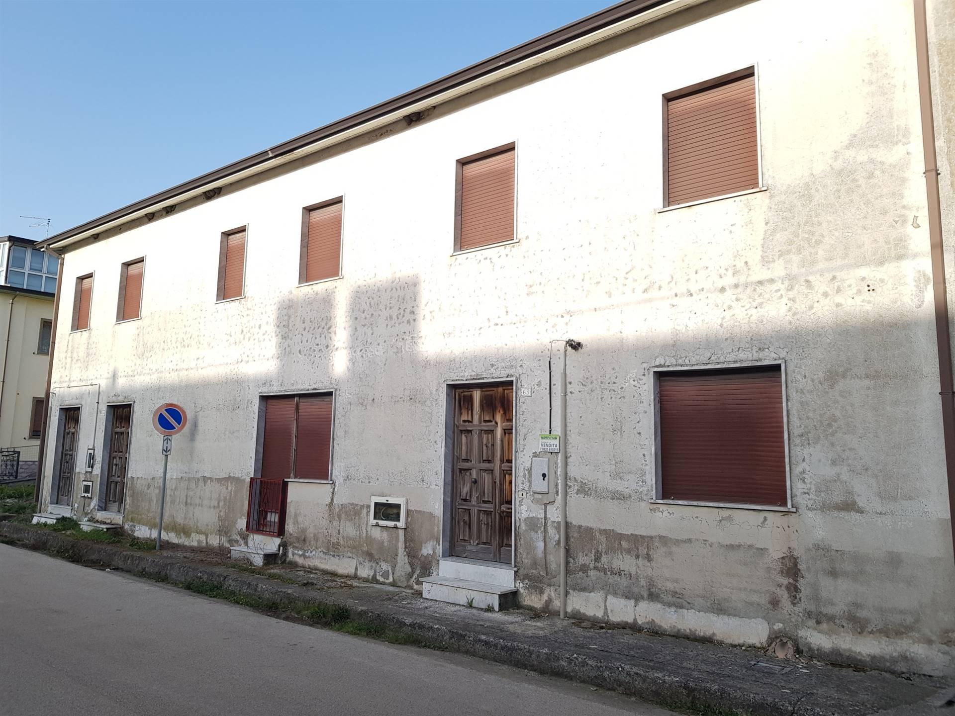 Appartamento in vendita a Montefalcione, 2 locali, prezzo € 18.000   CambioCasa.it