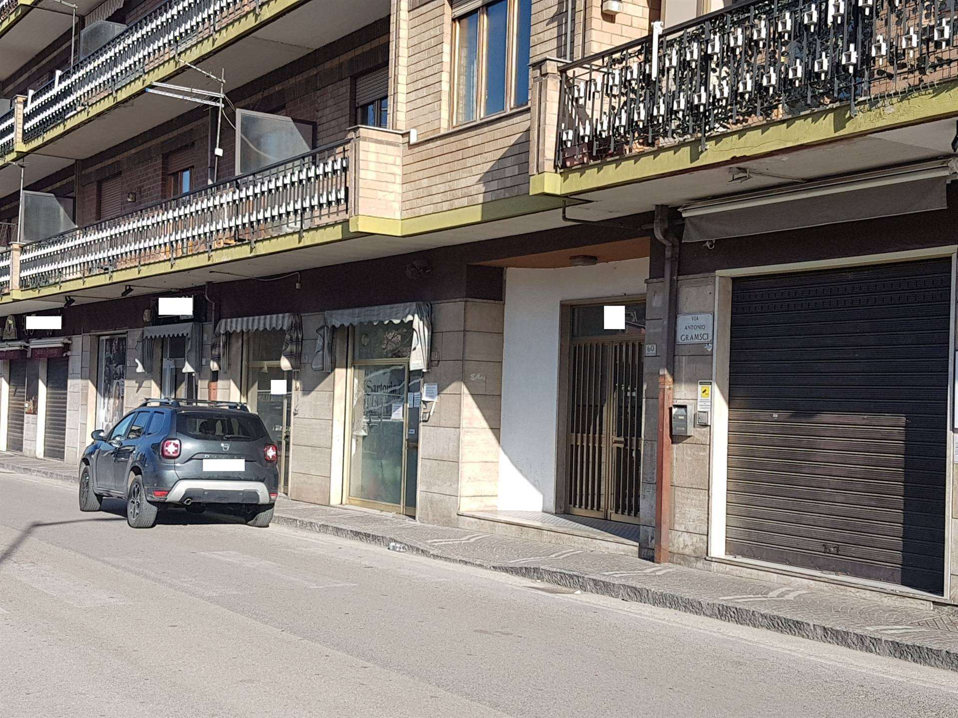 Negozio / Locale in affitto a Atripalda, 1 locali, prezzo € 500 | CambioCasa.it