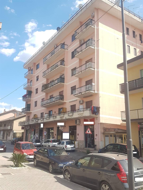 Appartamento in vendita a Atripalda, 4 locali, prezzo € 170.000 | CambioCasa.it