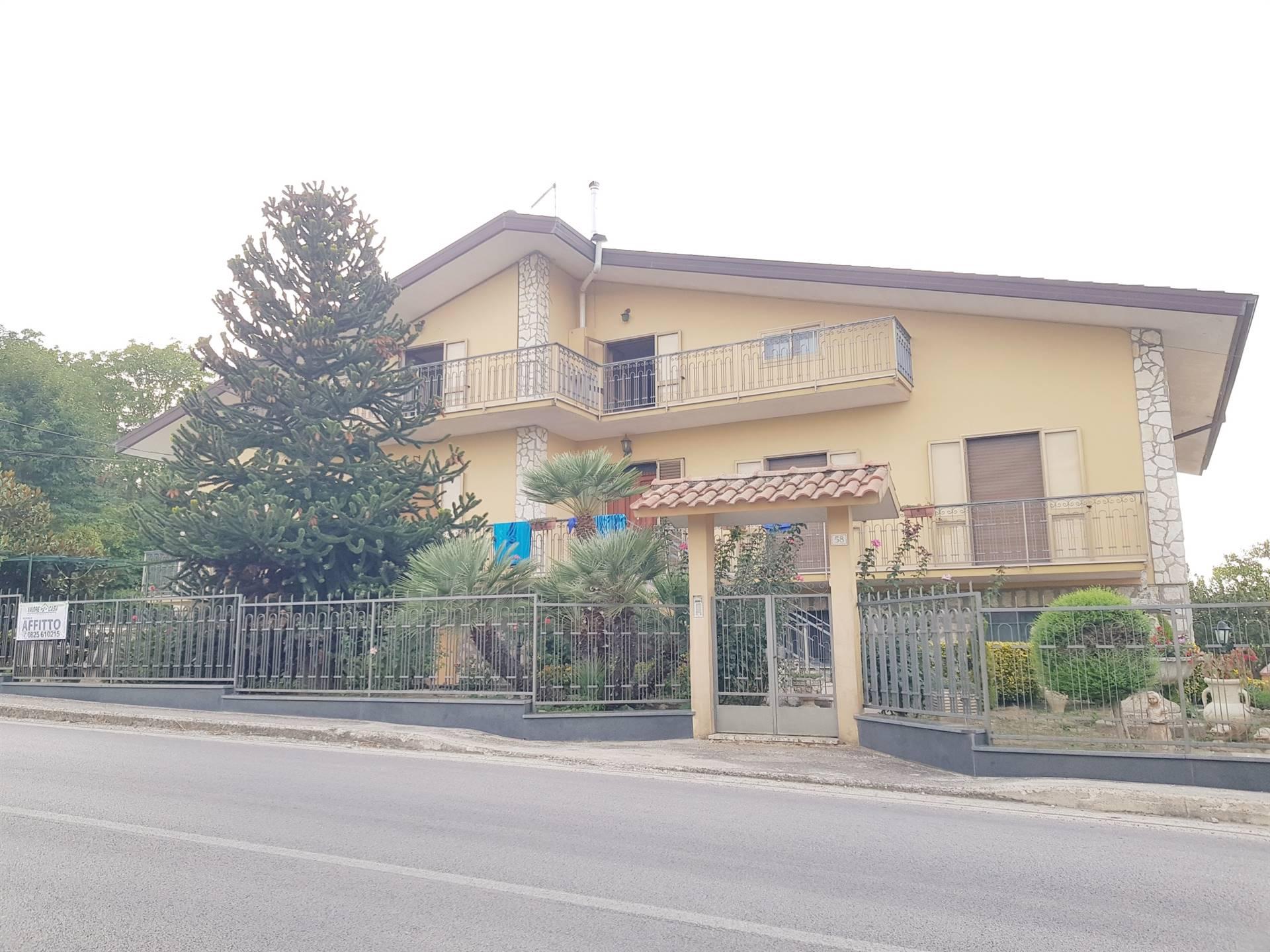 Appartamento in affitto a Montefalcione, 4 locali, zona Zona: Castelrotto, prezzo € 250 | CambioCasa.it